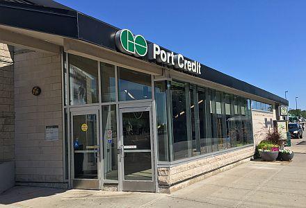 Port Credit Go Station
