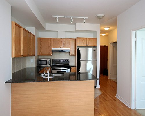 33 Elm Drive Condo for Sale Kitchen Before Upgrades