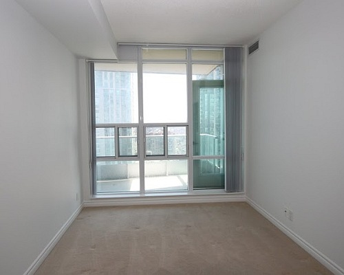 33 Elm Drive Condo for Sale Room Before Upgrade